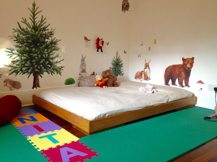 57 best images about lettino montessori floor bed on for Kids room flooring