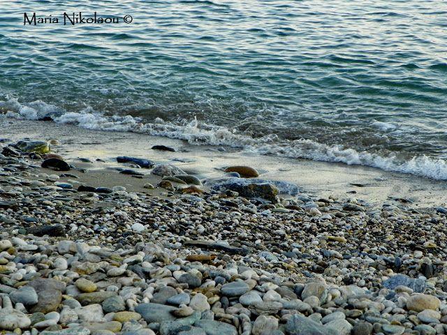 Μια ματιά στον ήλιο με γιορτινά...: Ο βράχος (Σκέψεις και Εικόνες #1)