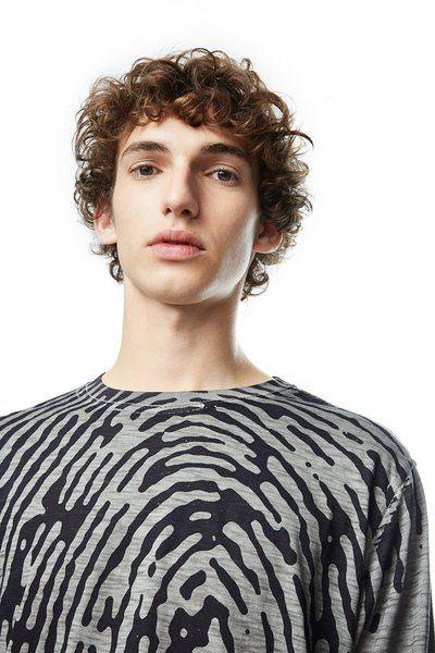 Camiseta Truyne Desigual. Descubre la colección otoño-invierno 2017. ¡Devoluciones y envío a tienda gratis!