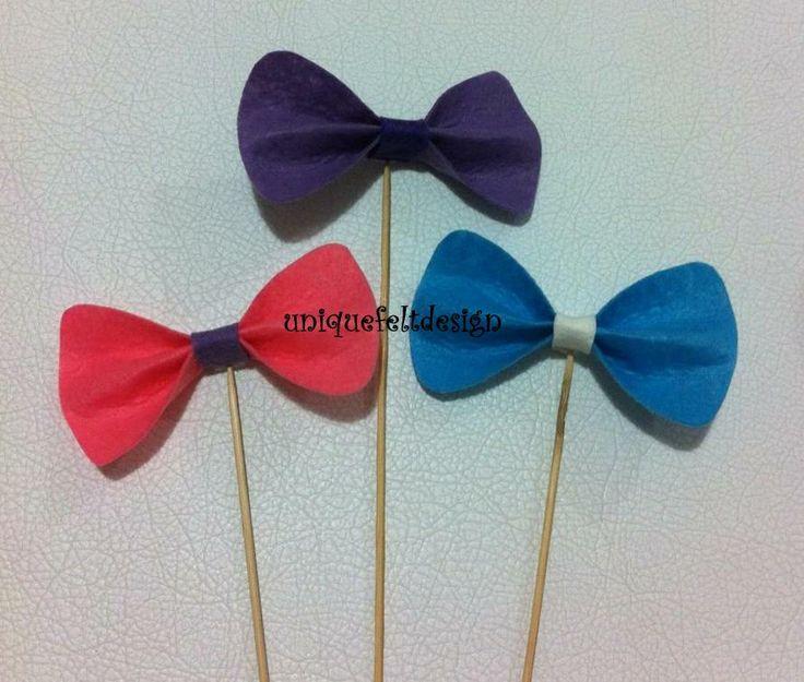 Bow Ties on Sticks Keçe  Çubuklu Papyonlar