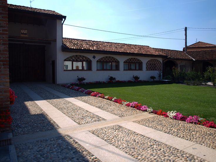 #appiaanticasrl #stone #pietra #palosco #bergamo #brescia #pavimenti #garden #flooring #wall #pavimenti #porfido #posa #flower #ciottoloticino #granito