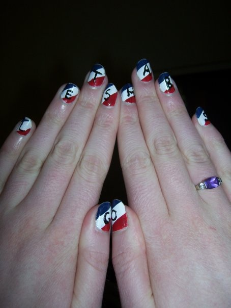 Ongles Allez les Canadiens, soumis par Allison Whicher / Let's Go Habs nails, submitted by Allison Whicher