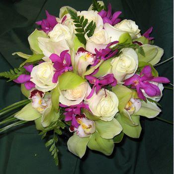 Kauai Wedding flowers - Hawaii bridal bouquets and tropical flower leis from Mr. Flowers Kauai.