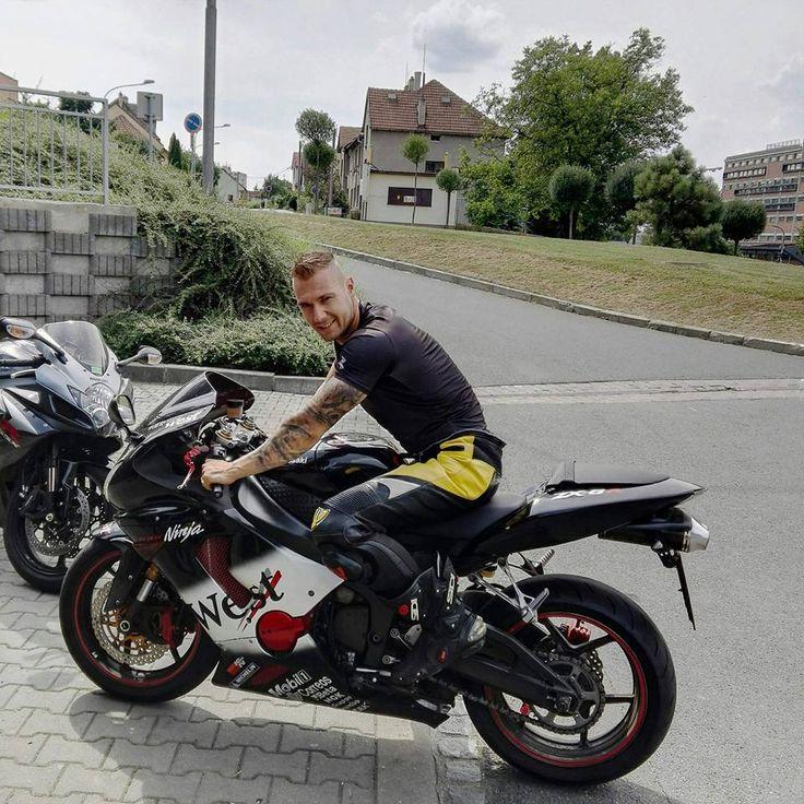 men Gay leather bikers
