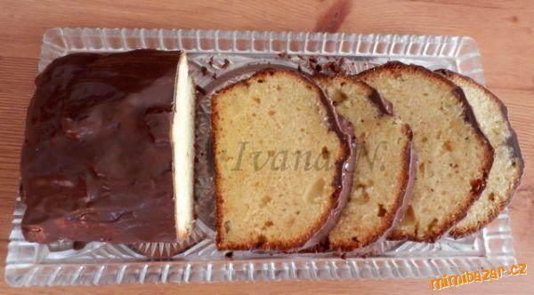 Marcipánovo-ananasový chlebíček