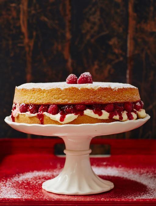 Jamie Oliver propose un gâteau éponge sans gluten, oeufs et produits laitiers.