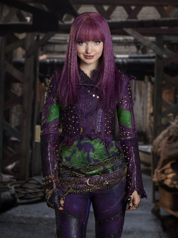 Beautiful purple hair. Dove Cameron as Mal the daughter of Maleficent