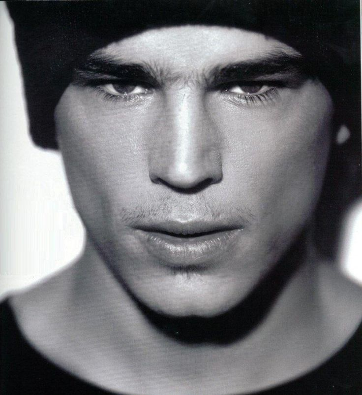 Josh Hartnett- i had this photo of him on my wall for like 5 years in junior high and high school