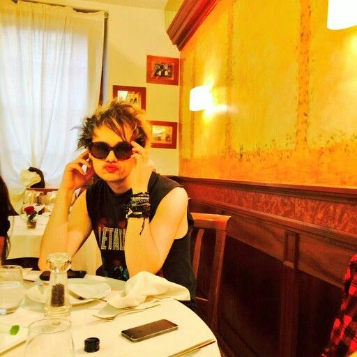Michael Clifford is fabulous in so many ways I love him.