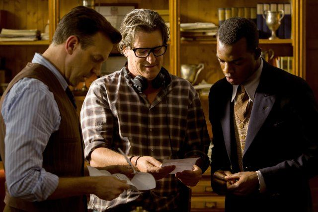 Still of Stephen Hopkins, Jason Sudeikis and Stephan James in Race (2016)