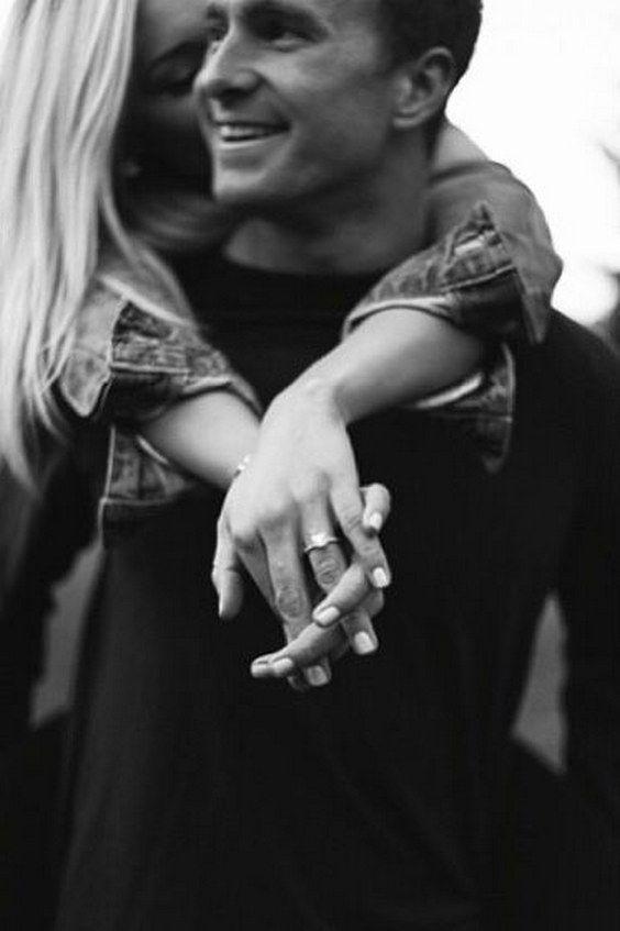 Top 20 Verlobungsring Fotos und Bilder – Sarah M