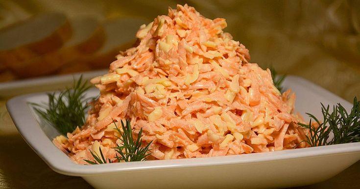 Классный рецепт - Быстрый салат к ужину из моркови и сыра (за 15 минут)!! Морковный салат с сыром и чесноком - это очень простое, но вкусное, сытное и ароматное блюдо. Отличное дополнение к ужину. Готовится такой салат из самых доступных продуктов, при этом быстро и без проблем. Для того чтобы салат получился действительно вкусным, выбирайте сочную морковь. Если она будет суховатой, увеличьте количество майонеза или сметаны. Сыр можно взять любой твердый или полутвердый, а количество…