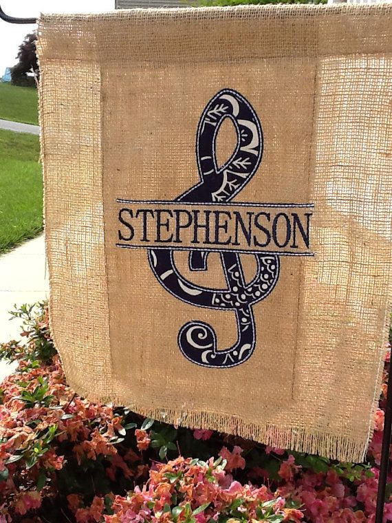 Personalized Music Garden Flag Treble by LighthouseEmbroidery & 81 best SEWING - GARDEN u0026 DOOR FLAGS images on Pinterest | Burlap ... pezcame.com
