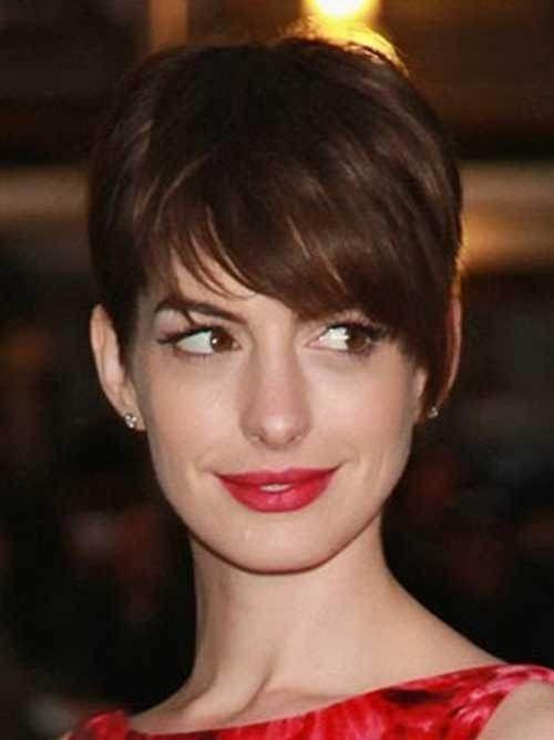 15 Best Anne Hathaway Pixie Cuts: #2. Anne Hathaway Thick Pixie Cut