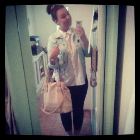 OOTD #handbag #leggins #flannelshirt #mint #jacket #hairbun #sunglasses