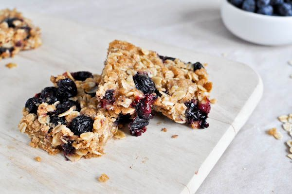 blueberry crumble barsOats Crumble, Blueberries Oatmeal Bar, Blueberries Crumble Bar, S'Mores Bar, Blueberries Oats Bar, Granola Bars, Breakfast Treats, Favorite Recipe, Blueberries Crumb Bar