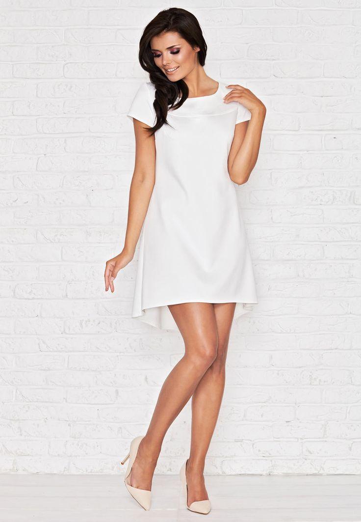 Jedna z pięknych sukienek w kolorze ecru. Asymetryczna z przedłużanym tyłem. http://besima.pl