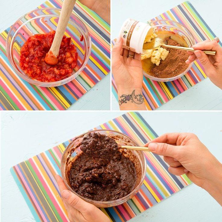 Клубника+кокосовое масло+кокосовая пудра+тростниковый сахар+шоколадная стружка