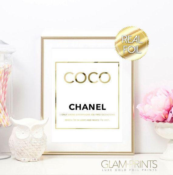 Coco Chanel, ich nur trinke, Champagner Offerte Goldfolie drucken Kunst Typografie Design Zeichen Bild Rose Gold Glam Decor Poster CC Signage Dekor  ***** WICHTIG: Wenn Sie, dass einen Druck mit einer unterschiedlichen Papierfarbe gemacht, wie gezeigt möchten, bitte fügen Sie hinzu, dass eine Nachricht mit Ihrer Bestellung, lassen Sie mich wissen, welche Farbe Sie möchten. Standard-Papier-Farbe ist weiß. *****   Dieses bildet die perfekte Ergänzung zu jedem möglichem Raum elegant und schick…