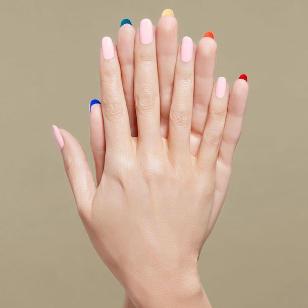 Hier kommen die angesagtesten Nagellack-Trends 2016: Eine Mischung aus bunten und gedeckten Farben geben, dezenter Nail Art und klassischen Lacken.