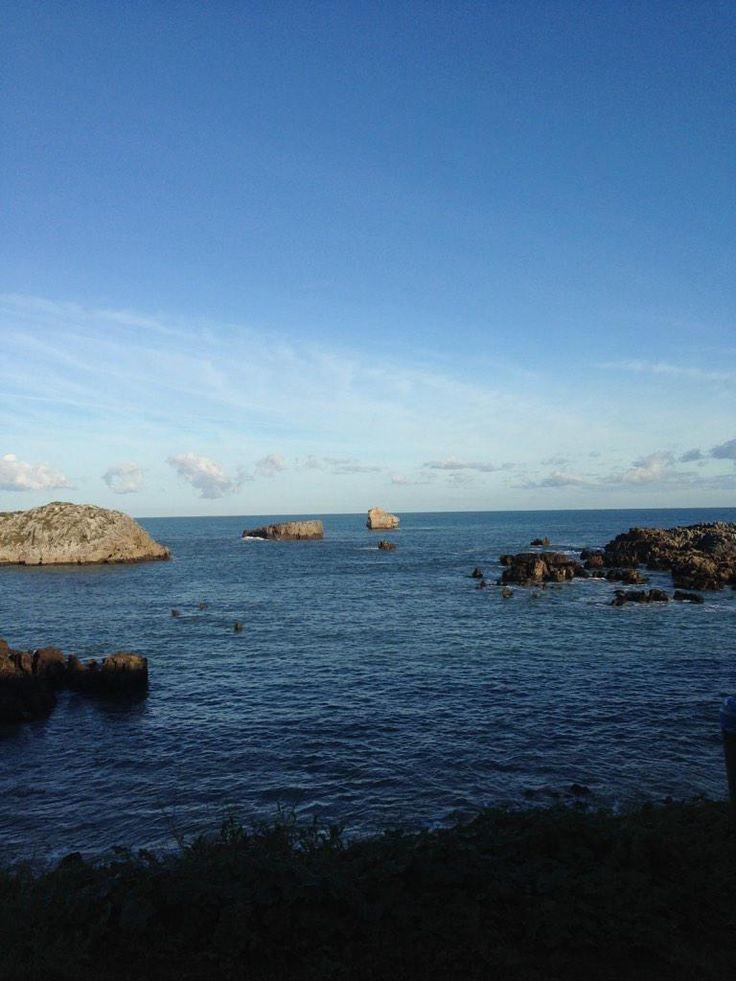 "La isla mas alejada de la costa ""El águila"", 15 diciembre. Sol, mar en calma. #peroquebonitaeslaplayaderis #Noja"
