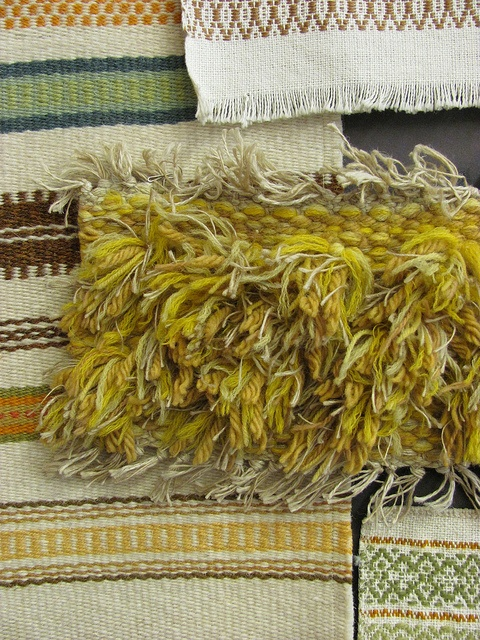 weaving....this looks like it would be fun to experiment with...
