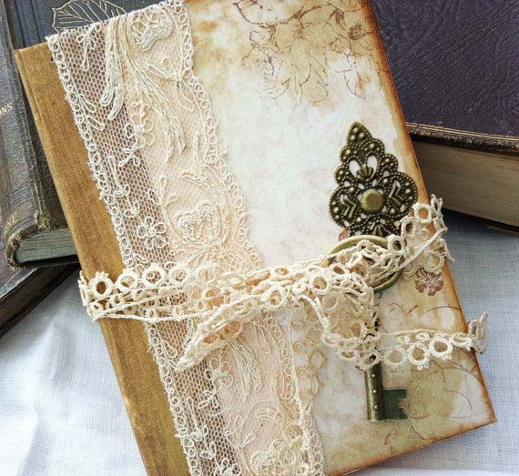 Notebook for the Bride  wedding planner in by youruniquescrapbook