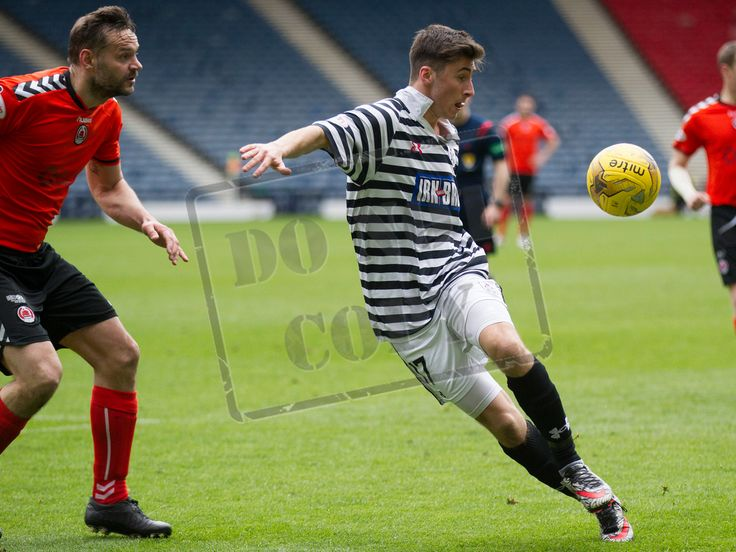 Queen's Park's Billy Mortimer on the ball during the SPFL League Two game between Queen's Park and Clyde.