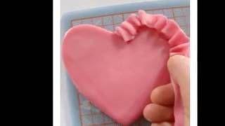 Φρουφρουδένια καρδιά από ζαχαρόπαστα...από την Στέλλα Μαρκοπούλου