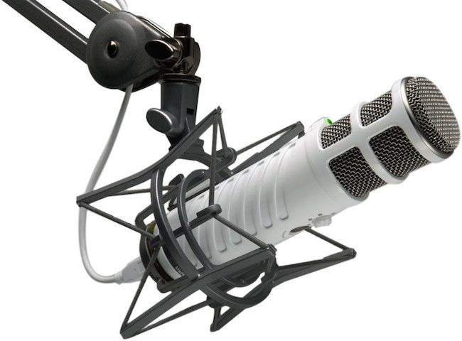 20 emisoras de radio cristiana que puedes escuchar online  http://www.mimejoralabanza.com/2015/08/03/20-emisoras-radio-cristiana-online/