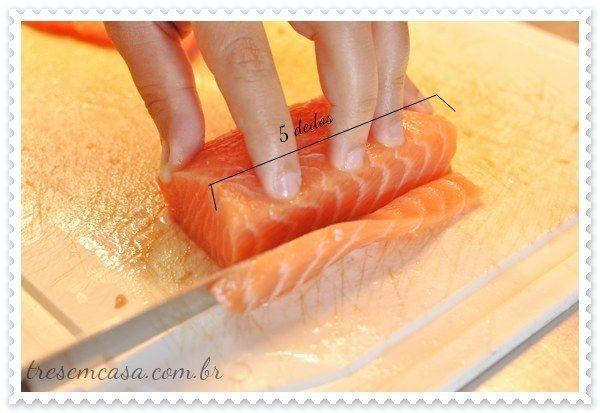 Sashimi de salmão. | 19 receitas para não deixar um rim no rodízio japa