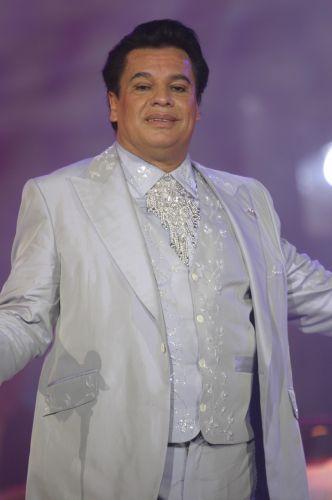 Juan Gabriel (1950-2016). Cantautor, actor, compositor, productor discográfico y filántropo mexicano, conocido como 'el divo de Juárez'.