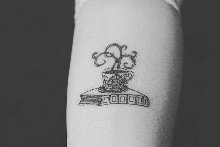 """157 curtidas, 5 comentários - Camila Conti (@bycamilaconti) no Instagram: """"Tattoo super fofa pra quem adora café ☕ Agendamentos e orçamentos pelo WhatsApp 99079455  #tattoo…"""""""