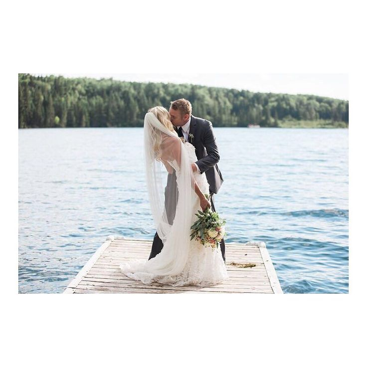 It's a little cold and gloomy out there these days so we're keeping warm by remembering some of our fave summer weddings! This is a perfect example... who doesn't want to get married at the lake? This wedding at Elkhorn Resort was gorgeous and a perfect reminder that winter won't last forever. Photocredit: Sterling Images Planning: Smitten & Co.  #smittenweddings #smittenandco #smittencalgary #smittenyyc #yycweddings #yycweddingplanner #lakewedding #manitobawedding #destinationweddingplanner…