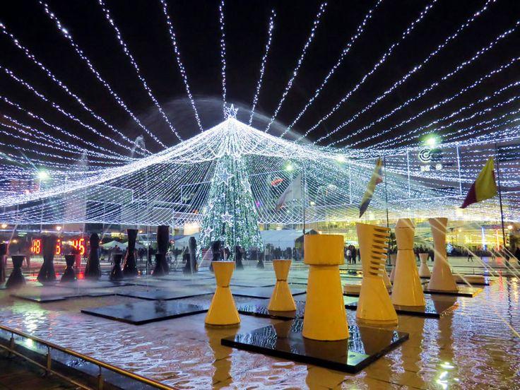 13. Alumbrado Centro Comercial Gran Estación cerca del Hotel GHL Capital