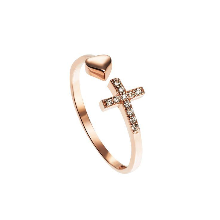 Een van onze FAVORIETE ringen 😍😍! Wat vind jij van deze opvallende ring? Perfect voor Mix 'n Match met andere ringen. Link in bio  . . .