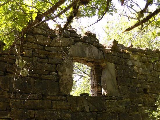 Las ruinas de Yosa de Garcipollera