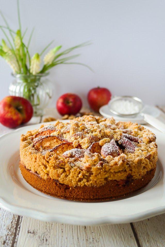 Apfel-Walnuss-Crumble-Kuchen - mit Vanillesauce ein Traum <3