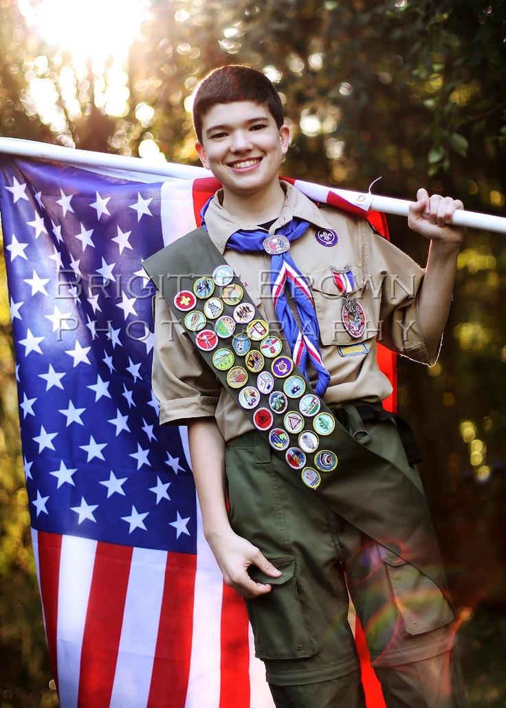 Amerikanischer Pfadfinder mit US Fahne ----  #Eagle_Scout  Boy Scout   American Flag picture ideas