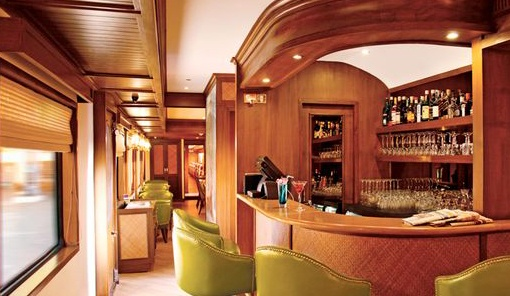 Bar in Maharaja Express India