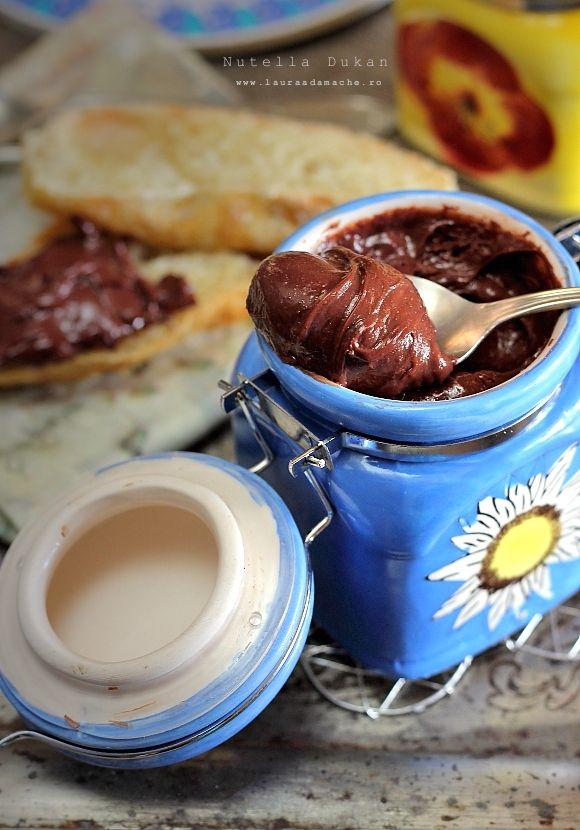Nutella Dukan (Cruise Phase)  120 gr Skim Milk Powder  20 gr sugar free cocoa powder  160ml skim milk  Sweetner to taste  Nut essence