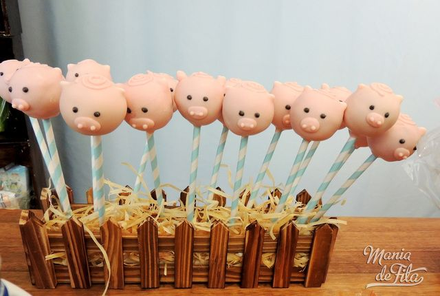 Pig cake pops at a Farm Party #farm #party