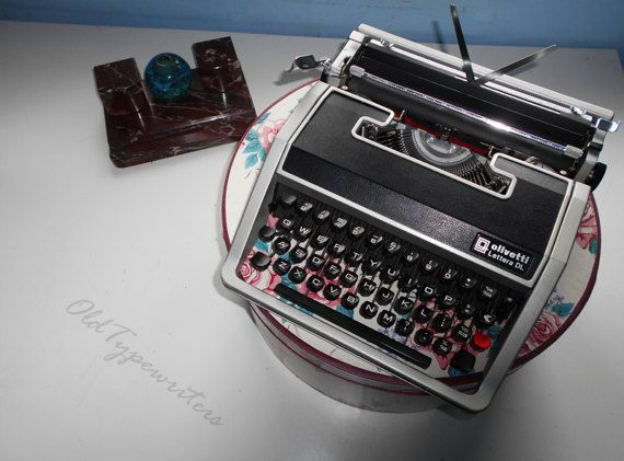 Easter Sale  20% // Vintage working typewriter. by OldTypewriters