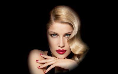 Blonde actress Laetitia Casta - face wallpaper