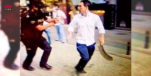 Son dakika: Palalı saldırgana 3 yıl hapis cezası: Gezi Parkı olayları sırasında palasıyla insanlara saldıran Sabri Çelebi'ye 3 yıl hapis cezası verildi. Çelebi, Libyalı bir işadamını tehdit ettiği iddiasıyla tutuklanmıştı.