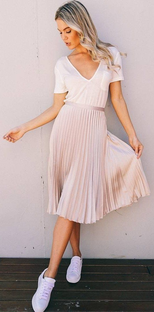 #winter #fashion / White Top + Pink Pleated Skirt + White Sneakers