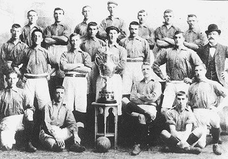 """1900-01 Liverpool first time English League Champions    P.S. : Everton finished 7th and Man City finished 11th. CHELSEA WAS NOT BORN YET IN THAT TIME.Man Utd was exist with different name """"Newton Heath LYR Football Club"""" (on 24 April 1902, Manchester United was officially born), Arsenal was 2nd division team until 1904. But Liverpool already won the league.Respect our history"""