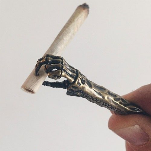 This roach clip