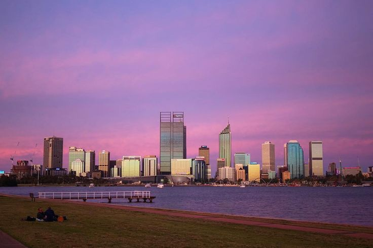 #Repost @lookleftphoto  Shattered- I was in south Perth all ready when I realised I didn't have the clip for the camera to go onto the tripod. Raced home and got back just as the colour set in but not long enough to get my tripod set up and get a long exposure. Still it's super colourful and Perth has dazzled once again.  #Perth #sunset #Perthlife #perthisok #perthfolk #perthliving #sunsetporn #canon #picoftheday #beautifuldestinations #tweetperth by tweetperth