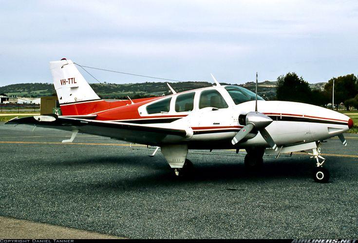 Beech 95-E55 Baron aircraft picture